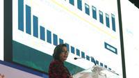 Menkeu Sri Mulyani Indrawati memaparkan data dalam acara Mandiri Investment Forum (MIF) di Jakarta, Rabu (7/2). Acara ini dihadiri oleh lebih dari 600 investor, termasuk 50 investor yang tercatat mengelola portofolio asing. (Liputan6.com/Angga Yuniar)