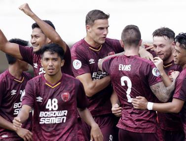 Para pemain PSM Makassar merayakan gol yang dicetak oleh Wiljan Pluim ke gawang Lao Toyota FC pada laga Piala AFC 2019. (Bola.com/M. Iqbal Ichsan)