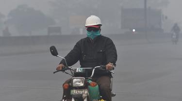 Kabut Tebal Selimuti Kota Lahore