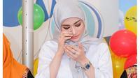 6 Potret Amel Alvi, DJ Cantik yang Mulai Belajar Berhijab (sumber: Instagram.com/amelalvireal)