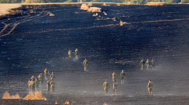 Bentrokan di Jalur Gaza, Ladang Gandum Israel Hangus Terbakar