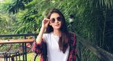 Pemilik nama lengkap Zoe Abbas Jackson merupakan aktris cantik blasteran yang masih berusia 17 tahun. Meski masih muda, Zoe memiliki selera fashion yang modis dan kekinian. (Liputan6.com/IG/@zoeabbasjackson)