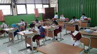 Pemerintah DKI Jakarta mulai menggelar PTM terbatas di semua jenjang sekolah pada Senin, 30 Agustus 2021.