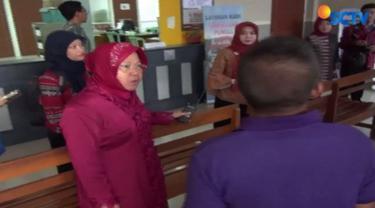 Walikota Surabaya itu merasa heran bercampur kecewa dengan perilaku jajarannya yang seakan tidak peduli dengan kondisi kantor.