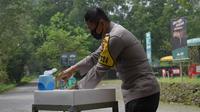 Kapolda Jabar Inspektur Jenderal Rudy Sufahriadi meninjau persiapan pemberlakuan protokol kesehatan di kawasan wisata terbuka Taman Safari Indonesia, Rabu (10/6/2020). (Foto: Humas Polda Jabar)