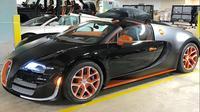 Bugatti Veyron Grand Sport Vitesse milik Floyd Mayweahter (Foto: bostonherald.com).