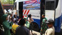 Polres menggratiskan perpanjangan SIM untuk Anggota Kodim 0709 Kebumen pada HUT ke-74 TNI, 2019. (Foto: Liputan6.com/Polres KebumenMuhamad Ridlo)