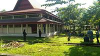 Polisi tangkap 3 terduga teroris di univeritas Riau (Liputan6/ M Syukur)