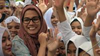 Gaya Menteri Keuangan Sri Mulyani tampil berjilbab di Aceh (Foto: Kementerian Keuangan Republik Indonesia)