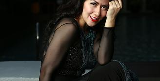 Venna Melinda sekarang lebih menekuni dunia politik ketimbang akting yang telah membesarkan namanya didunia entertainment. (Deki Prayoga/Bintang.com)