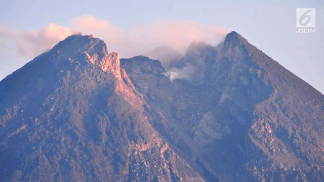 60 Foto Penampakan Gunung Merapi HD