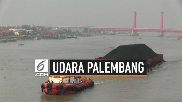Kota Palembang, Sumatera Selatan sempat diguyur hujan seharian pada hari Selasa (25/9). Akibatnya udara di Palembang kini mulai membaik dan titik api mulai menurun.