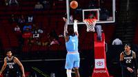 Guard Houston Rockets John Wall melepas tembakan pada laga NBA 2020/2021 melawan Sacramento Kings di Toyota Center, Kamis (31/12/2020) atau Jumat pagi WIB. (Twitter Houston Rockets)