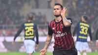 Ekspresi striker AC Milan, Suso, setelah mencetak gol ke gawang Inter Milan pada laga pekan ke-13 Serie A di Stadion San Siro, Minggu (20/19/2016). Suso mencetak dua gol AC Milan. (AFP/Giuseppe Cacace)