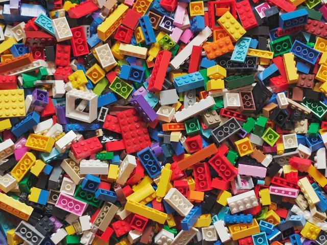 strategi perdagangan mainan geeks