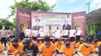 67 Preman di Jatim diringkus dari berbagai lokasi di Surabaya dan sekitarnya. (Dian Kurniawan/Liputan6.com)