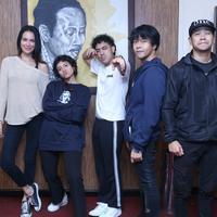 Tidak hanya berkolaborasi dengan para personel Nidji tanpa Giring, pada festival nanti, tapi juga penyanyi Dea Dalila. (Nurwahyunan/Bintang.com)