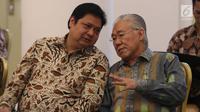 Menteri Perindustrian Airlangga Hartarto bersama Mendag Enggartiasto Lukita menghadiri sidang kabinet paripurna, di  Istana Kepresidenan Bogor, Senin (29/5). Rapat salah satunya membahas persiapan Idul Fitri 1438 H. (Liputan6.com/Angga Yuniar)