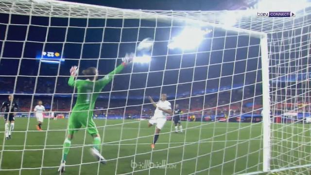 Berita video beragam penyelamatan David de Gea pada laga Sevilla vs Manchester United di Liga Champions 2017-2018. This video presented by BallBall.