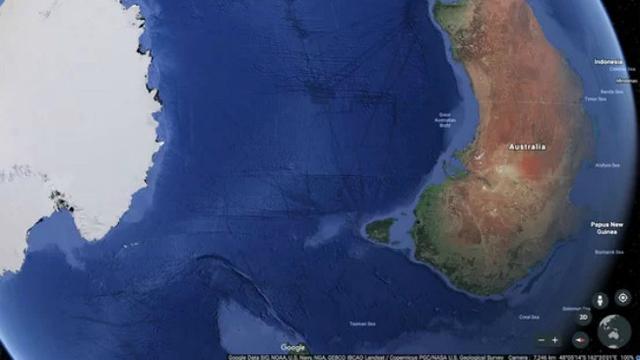 5. Garis-garis itu ternyata bukan terowongan, melainkan.. (kredit Google Earth)