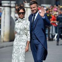 Simak gaya kembar Victoria Beckham dan Meghan Markle yang kenakan gaun mirip (Foto: instagram.com/sstylegallery)