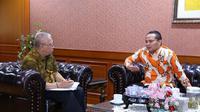 Direktur Jenderal Pembinaan Penempatan Tenaga Kerja dan Perluasan Kesempatan Kerja (Dirjen Binapenta & PKK) Maruli A. Hasoloan usai menemui Duta Besar Indonesia untuk Kuwait Tatang Budie Utama Razak di kantor Kemnaker, Jakarta pada Jumat (11/5).