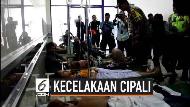 Saksi kunci kecelakaan nahas tol Cipali membuka penyebab kecelakaan beruntun yang menewaskan 12 orang tersebut. diduga seorang penumpang berusaha merebut kendali sopir.