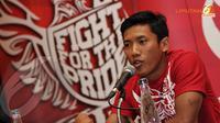 Sebagai pemain timnas, Ahmad Bustomi menegaskan persiapan Timnas Indonesia untuk bertandang melawan Cina pada 15 November 2013 sudah cukup baik dan maksimal  (Liputan6.com/ Helmi Fithriansyah)