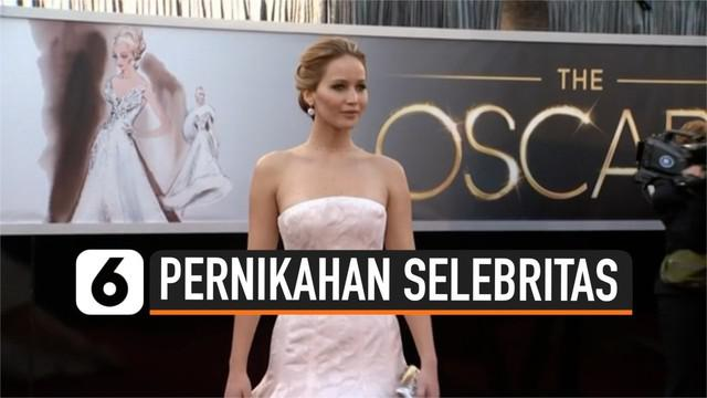 Pasangan Jennifer Lawrence dan Cooke Maroney resmi menikah. Pesta pernikahan mereka dihadiri selebritas dianataranya Adele, Emma Stone serta Ashley Olsen.