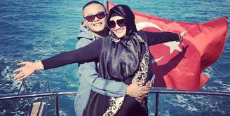 Kabar mengejutkan datang dari keluarga Sule. Pasalnya rumah tangga komedian kelahiran 15 November 1976 itu diterpa kabar perceraian. (Foto: instagram.com/ferdinan_sule)