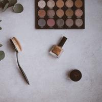 Ilustrasi eyeshadow | unsplash.com/@anniespratt