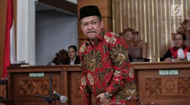 Wakil Ketua DPR Fahri Hamzah saat menjadi saksi sidang lanjutan kasus penyebaran berita bohong atau hoaks dengan terdakwa Ratna Sarumpaet di PN Jakarta Selatan, Selasa (7/5/2019). Sidang beragendakan pemeriksaan saksi yang meringankan terdakwa Ratna Sarumpaet. (Liputan6.com/Faizal Fanani)