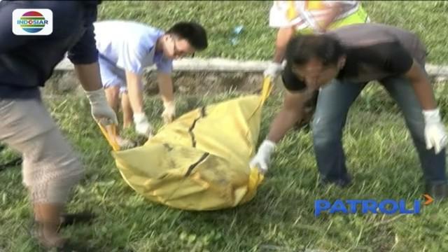 Sesosok jenazah ditemukan di dalam parit tertutup kasur di ruas Tol Tangerang-Merak kilometer 51.