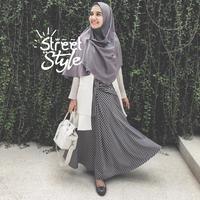 Street style artis cantik berhijab. (Instagram/zaskiasungkar)