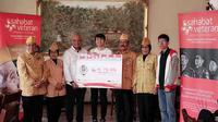 Prosesi penyerahan donasi program #74MerdekaDinner dari PUBG Mobile untuk Yayasan Sahabat Veteran Indonesia di Jakarta, Selasa (27/8/2019). (Istimewa)