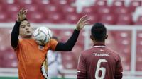 Kiper Persija Jakarta, Andritany Ardhiyasa, saat latihan jelang laga Piala AFC 2019 di SUGBK, Jakarta, Senin (25/2/2019). Persija akan Melawan Becamex Binh Duong. (Bola.com/M Iqbal Ichsan)