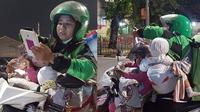 (Foto: Glamelforfood/Instagram) Warganet dibuat terharu dengan perjuangan driver ojol wanita yang bekerja sambil bawa dua anaknya.