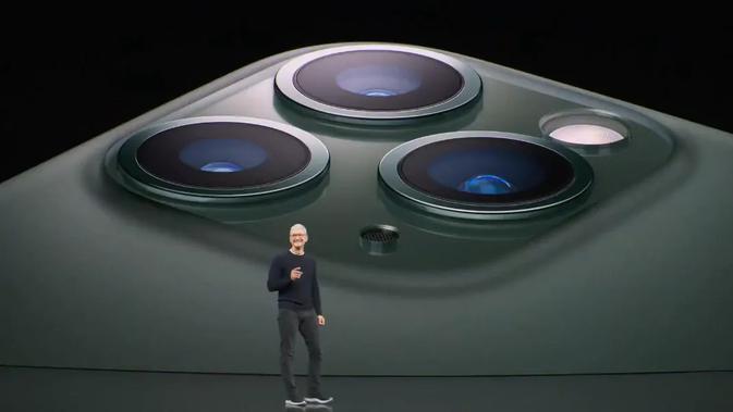 iPhone 11 Pro dengan tiga kamera. Kredit: YouTube/Apple
