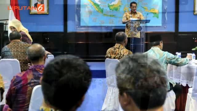 Menteri Koordinator Bidang Politik Hukum dan Keamanan (Menko Polhukam) Luhut Binsar Pandjaitan beserta jajarannya menyambangi Kantor Badan Narkotika Nasional (BNN) di Cawang, Jakarta Timur.