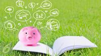Jika perpikir menabung lebih mudah saat memiliki penghasilan tetap, cobalah metode menabung bagi Anda yang berpenghasilan tidak tetap. (iStockphoto)
