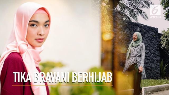 Tika Bravani kini mengubah penampilannya dengan memakai hijab