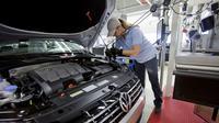 Pekerja pabrik VW memilih menentang putusan serikat pekerja dan mendukung keputusan perusahaan menggenjot produksi di pabrik Chattanooga.