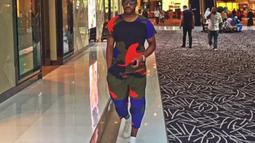 N'Zogbia juga memiliki baju lainnya yak tak kalah sensasional.