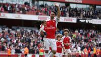 Mikel Arteta mengucapkan salam perpisahan pada fans Arsenal / Reuters