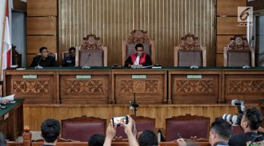 Pengadilan Negeri Jakarta Selatan kembali menggelar sidang praperadilan mantan Ketum PPP Romahurmuziy, Senin (6/5/2019). Romahurmuziy tidak menghadiri sidang praperadilan lantaran belum diperlukan pada persidangan dengan agenda membacakan permohonan tersebut. (Liputan6.com/Faizal Fanani)