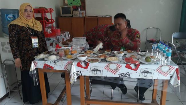Menu Sunda Tradisional Siap Manjakan Lidah Jokowi di Garut. (Liputan6.com/Jayadi Supriadin)