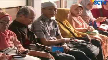 Para pensiunan itu harus bersabar sebelum akhirnya menerima THR yang baru pertama kali diterima.