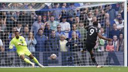Dominic Calvert-Lewin tercatat telah mencetak tiga gol untuk Everton hingga pekan ketiga Liga Inggris musim 2021/2022. Gol masing-masing dicetak ke gawang, Aston Villa, West Ham, dan Southampton. (Foto: AP/PA/Gareth Fuller)