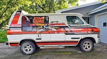 Dodge Van 1979  bertemakan Star Wars (Jalopnik)