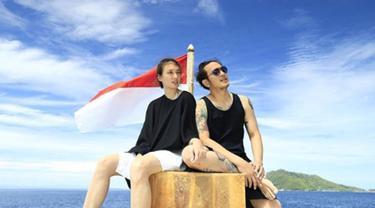 Nadine Chandrawinata dan Dimas Anggara terlihat sangat menyukai travelling.